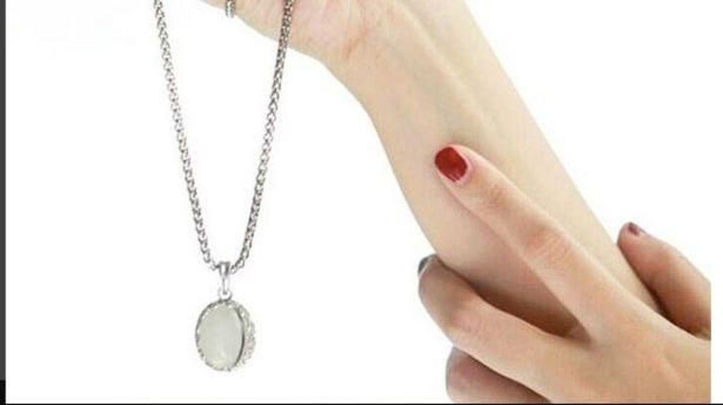 Tips Simpel Merawat Perhiasan Agar Tetap Kinclong dan Berkilau