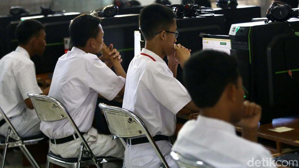 Sistem Kerja Kontrak Tambah Pengangguran Lulusan SMK