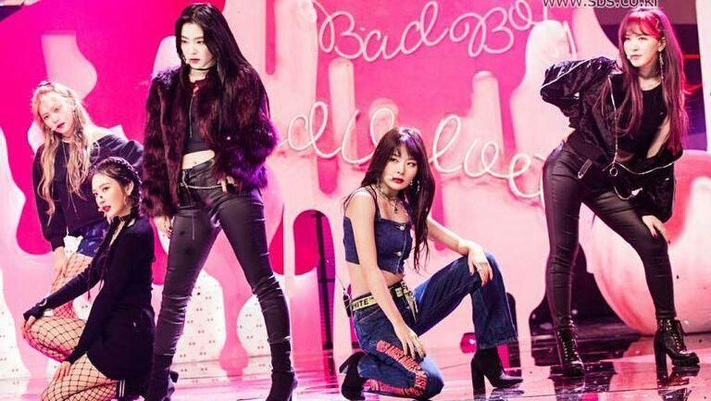 Foto: Gaya Cantik Girl Band Red Velvet yang Tampil di Depan Kim Jong Un