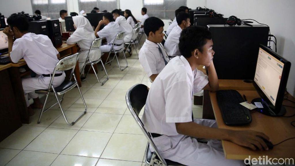 Paling Banyak Nganggur, Lulusan SMK Bisa Kerja dengan Cara Ini