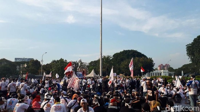 Foto: Demo tukang pulsa di istana (Denita-detikcom)