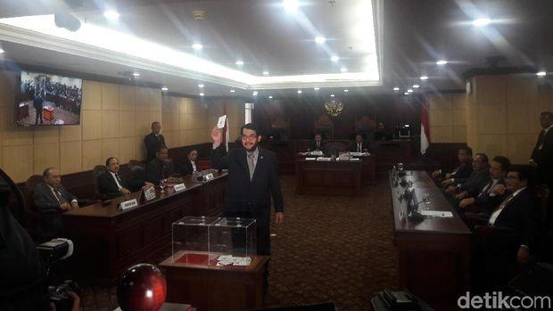 Anwar Usman, Ketua MK Pertama Utusan MA