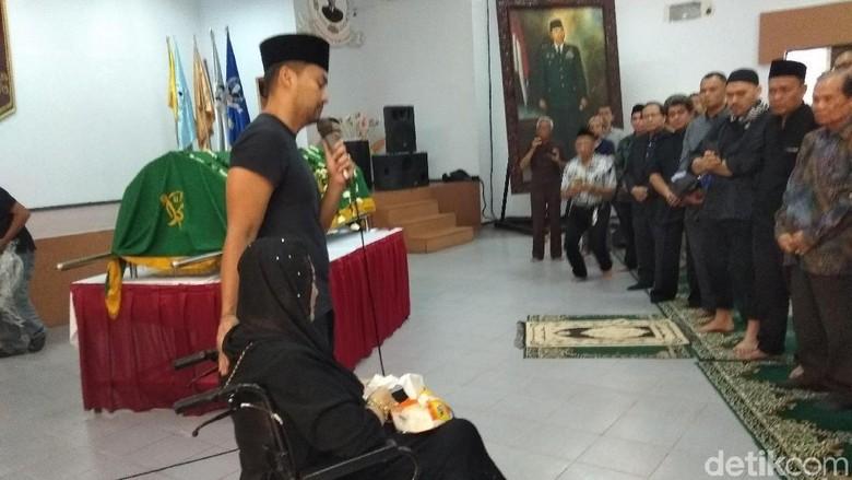 Rizal Ramli hingga Anjasmara Salati Jenazah Suami Rachmawati