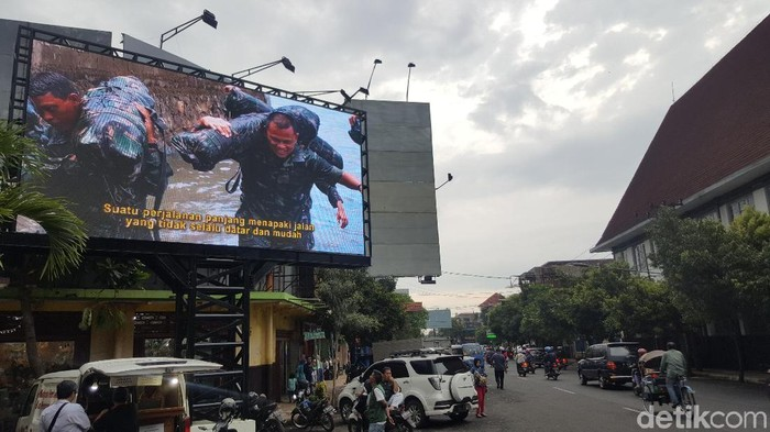 Gatot Nurmantyo dalam tayangan vdeotron Kota Malang. (Foto: M Aminudin/detikcom)