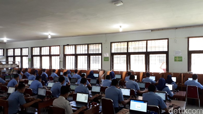 Dibagi 5 Jalur Pendaftaran, Ini Syarat PPDB SMA-SMK di Jabar