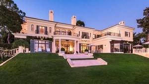 Mau Jadi Tetangga Oprah? Tuh Rumah Sebelah Dijual Rp 600 M
