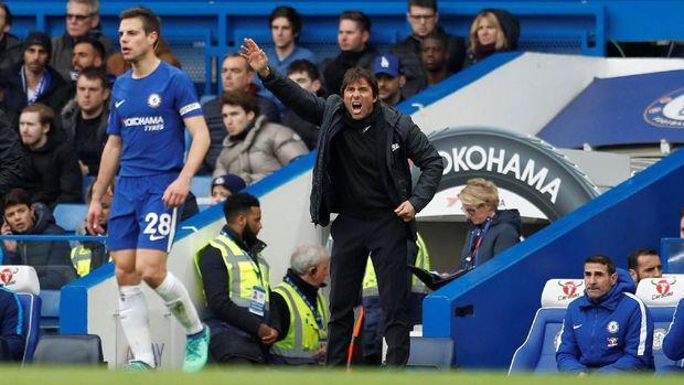 Antonio Conte akan memimpin Chelsea menghadapi West Ham United di Stamford Bridge, Minggu (8/4).