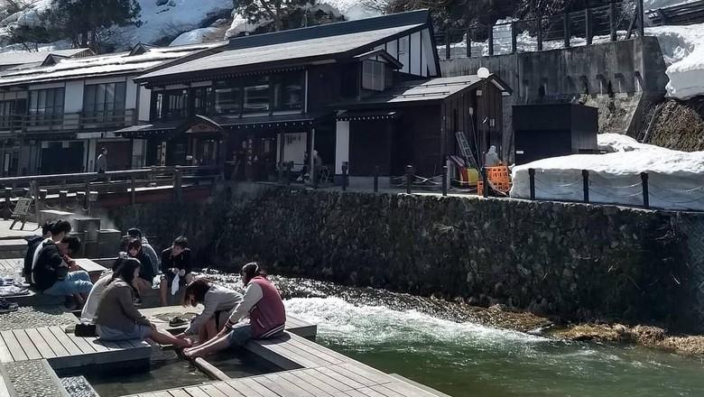 Salah satu sudut Ginza-Onsen (denishtw/Instagram)