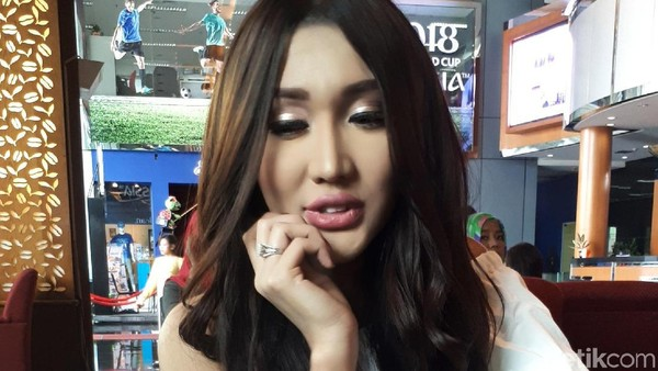 Alasan Dukung Prabowo, Lucinta Luna: Beliau Tak Pernah Marah-marah