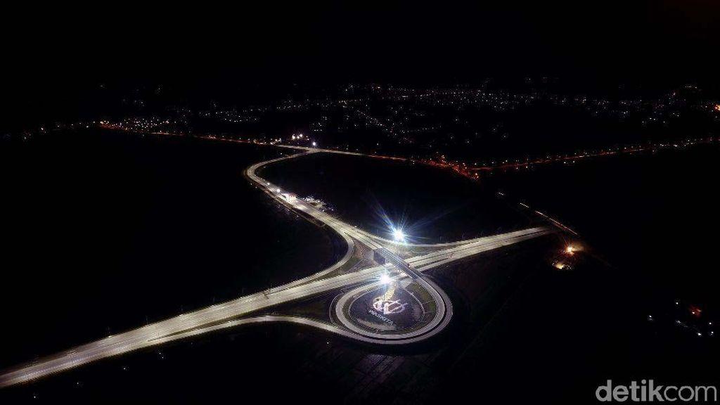 Indahnya Siang dan Malam Tol Ngawi-Kertosono Dilihat dari Udara