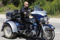 Vladimir Putin naik motor roda tiga