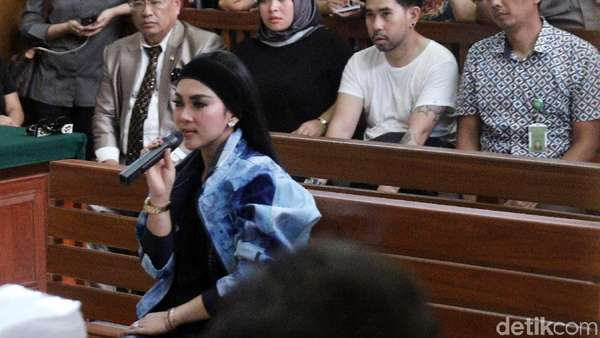 Hotman Paris Ngaku Dicuekin Syahrini, BFF Nia Ramadhani-Jedar