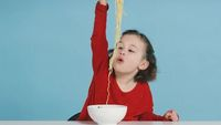 Ini Ekspresi Anak-anak Amerika Saat Cicipi Nasi Uduk dan Kue Cubit