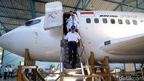 Usai Cek UN, Mendikbud Tinjau Bengkel Pesawat SMK 29
