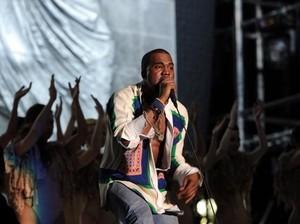 Kanye West Ajak Penggemar Ikut Buat Sampul Ye