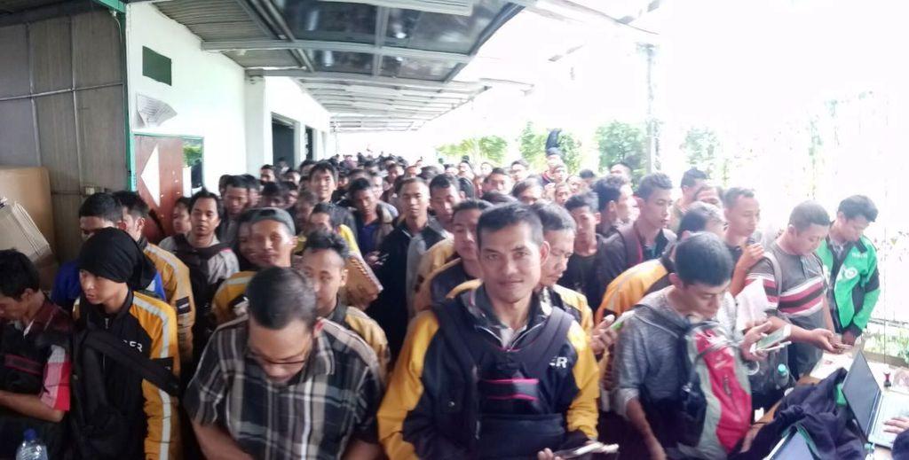 Grab mulai merekrut kembali ribuan mitra driver Uber di seluruh Indonesia. Sesuai komitmen Grab, driver Uber memang bisa langsung bergabung dengan mereka.(Foto: Dok. Grab)