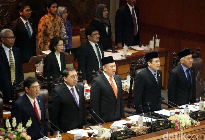 Hal tersebut disampaikan pimpinan rapat paripurna yang juga Wakil Ketua DPR Taufik Kurniawan dalam sidang paripurna, Selasa (3/4/2018).
