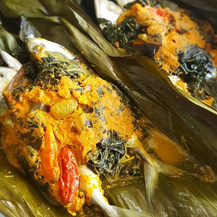 Pepes menggoda ini dibuat menggunakan ikan kembung. Postingan netizen @mattan_chai ini ternyata bikinan sendiri lho. Sedap! Foto: Instagram