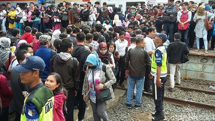 Kondisi di Stasiun Duri. Foto: Selfie Miftahul Jannah