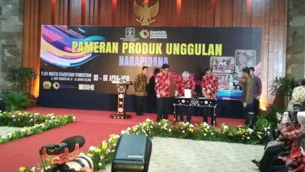 3 Menteri Jokowi Kenalkan Produk Wirausaha Buatan Narapidana
