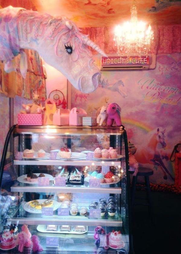 foto kafe unicorn wisata kuliner unik di bangkok