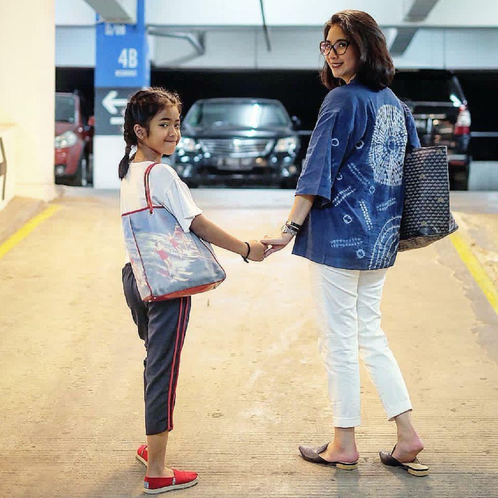 Cerita Novita Angie Beda Pendapat dengan Suami Soal Anak Pacaran