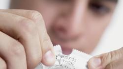 37 Persen Pria Susah Ereksi Saat Pakai Kondom
