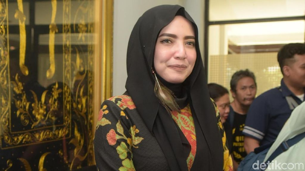 Kata Yulia Mochamad Dituding Menjilat Ludah Sendiri terkait Opick
