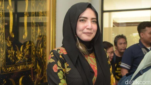 Yulia Mochamad