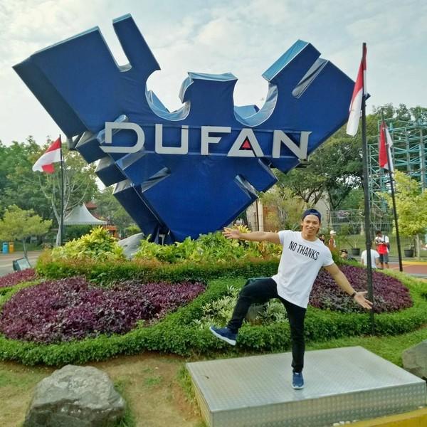 Seru-seruan di Dufan Ancol juga jadi pilihan liburan bagi Didi (didi_wahyudi89/Instagram)