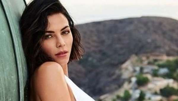Seksinya si Hot Mom Jenna Dewan