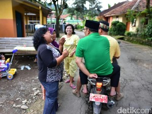 Tim Ridwan Kamil Sebut Naik Motor Pelat Merah Bukan untuk Kampanye