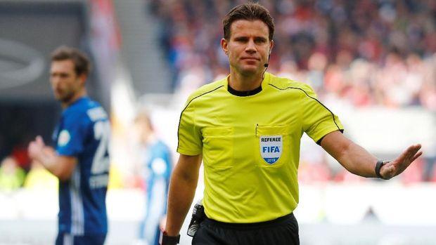 Wasit Felix Brych tak diberi kesempatan lagi memimpin laga Piala Dunia 2018 usai melakoni laga kontroversial antara Serbia vs Swiss.