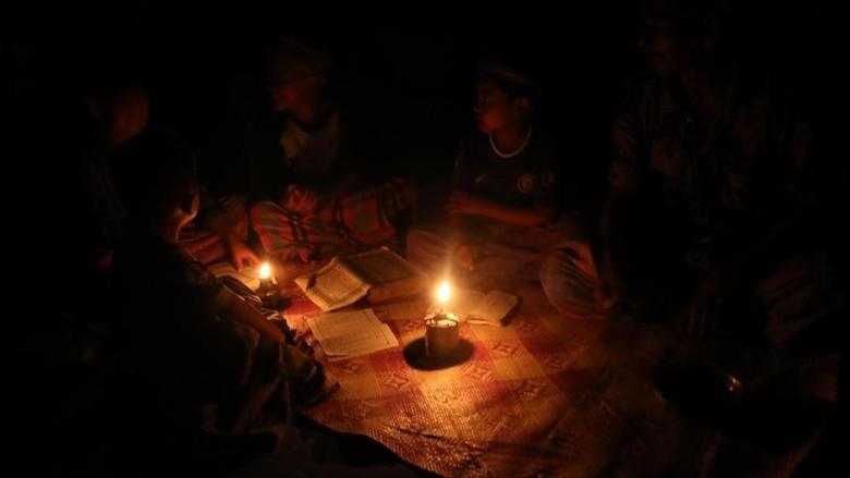 Aceh Timur: Terang di Kota, Gulita di Desa