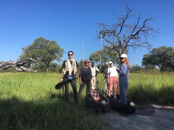 Soal wisata ke alam, tentu sudah bukan kegiatan asing bagi artis sekaligus model kenamaan Nadya Hutagalung. Yang terbaru, ia baru saja traveling ke Botswana di Afrika (nadyahutagalung/Instagram)