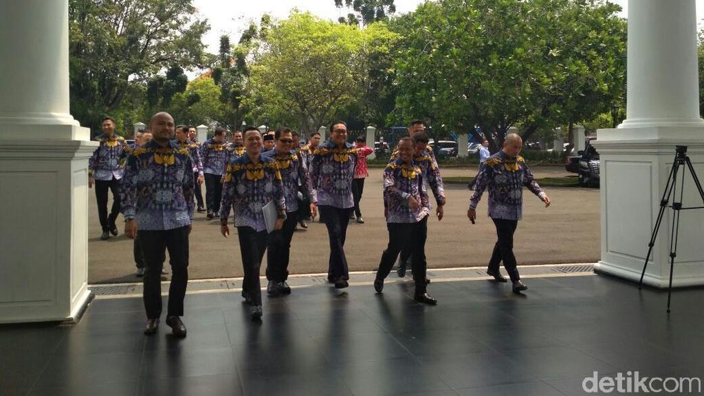 Curhat Pengusaha ke Jokowi: Masih Banyak Proyek Dimenangkan BUMN