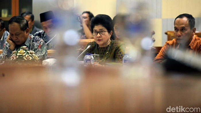 Kementerian Kesehatan belum mendapat laporan soal remaja yang mabuk-mabukan dengan rebusan pembalut (Foto: Lamhot Aritonang)