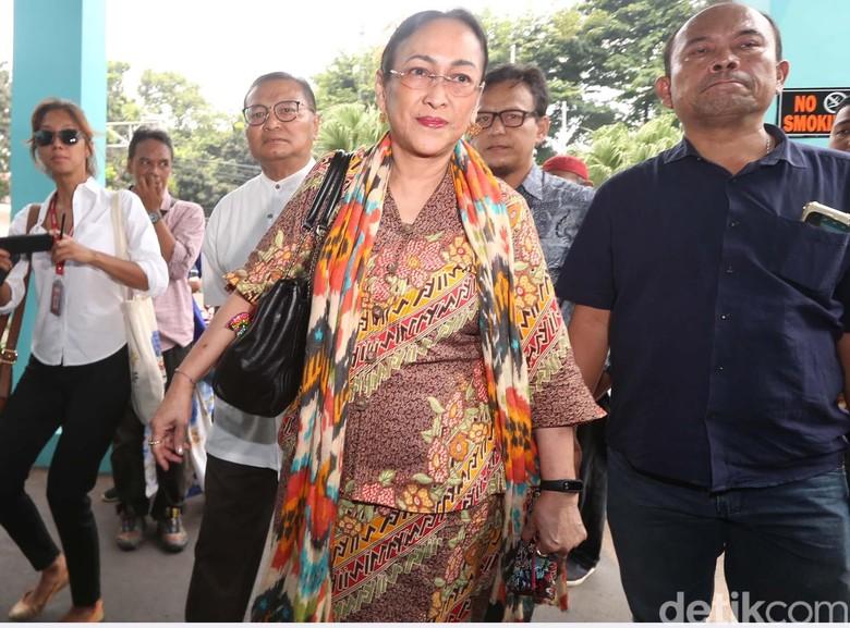 Kontroversi Sukmawati: Kidung Ibu Pertiwi hingga Bandingkan Sukarno-Nabi