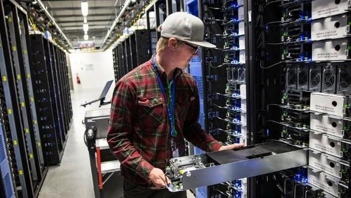 Google memperluas Data Center di Chile (Ilustrasi data center. Foto: Guardian)