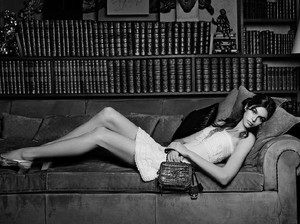 Chanel Dikritik, Tampilkan Model 16 Tahun Pakai Rok Mini