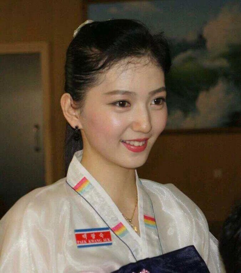 Baek Gwang SUk mencuri perhatian karena wajah cantiknya. (Dok. Iamissue.com)