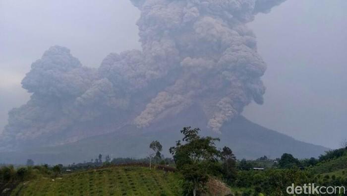 Erupsi Sinabung (6/4) (Dok BNPB)