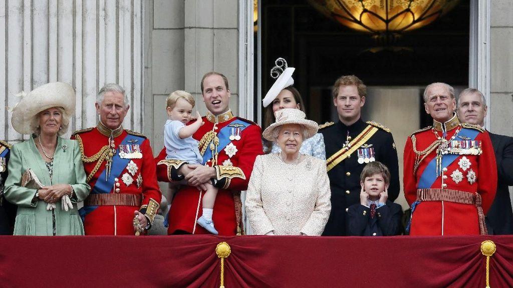 5 Aturan Makan Tak Lazim Ini Diterapkan Untuk Keluarga Kerajaan Inggris