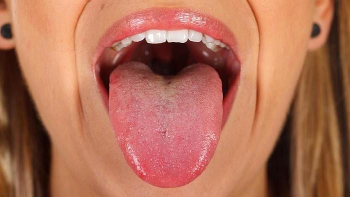 Kita mungkin bisa menggunakan lidah untuk mencium bau makanan. (Foto: Thinkstock