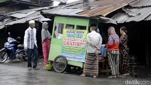 Sarapan Nasi Megono Gratis Tiap Jumat untuk Duafa di Pekalongan