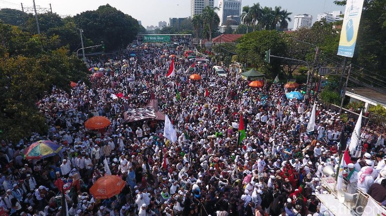 Potret Gelombang Aksi Demo Sukmawati di Berbagai Daerah