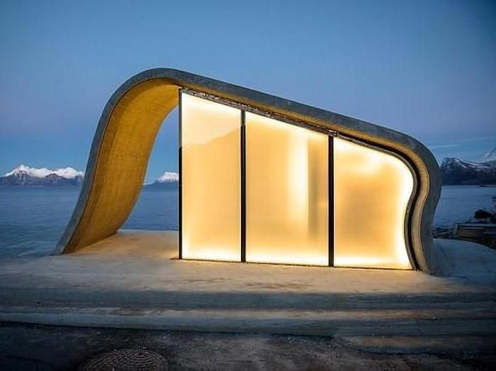 Toilet umum paling indah di Norwegia. Foto: Dok. Daily Mail