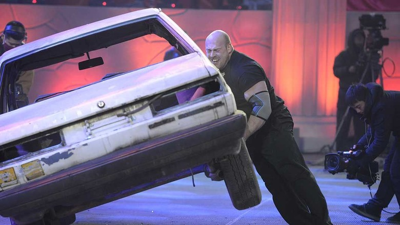 Pria Ini Membalikkan 13 Mobil dalam 5 Menit. Foto: Dok. Guinness World Records