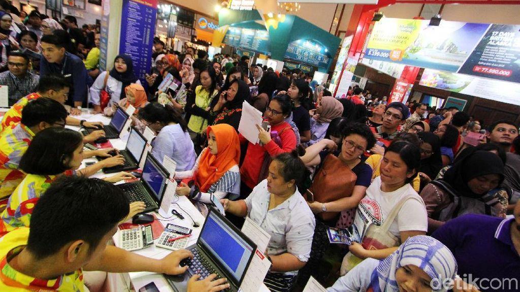 Pengunjung Padati Garuda Indonesia Travel Fair 2018