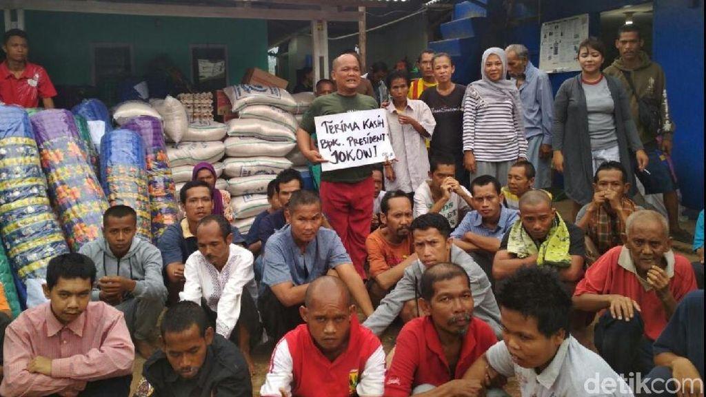 Ucapan Terima Kasih Teman Orang Gila di Sukabumi untuk Jokowi